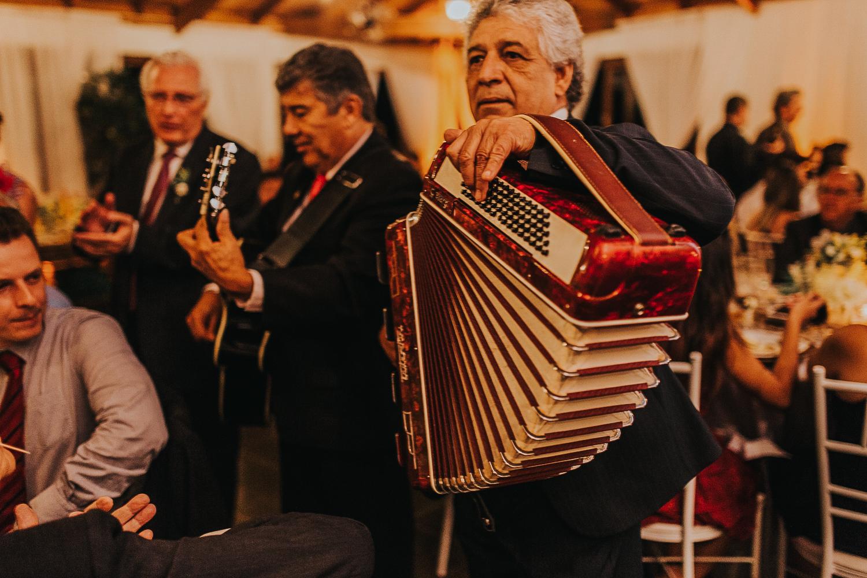 fotografia-casamento-de-dia-curitiba-villa-dei-nonni-50