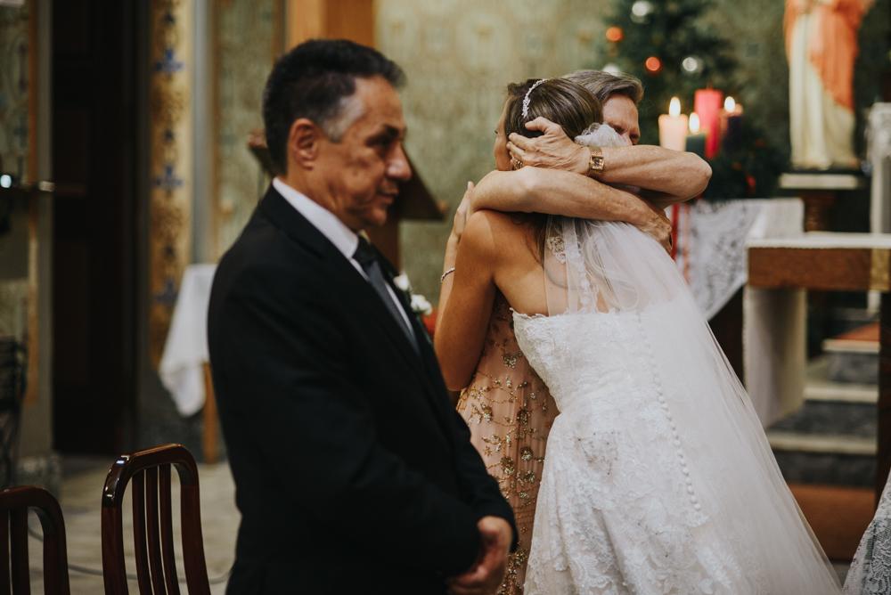 casamento-classico-igreja-curitiba-noivos-fotografia-112