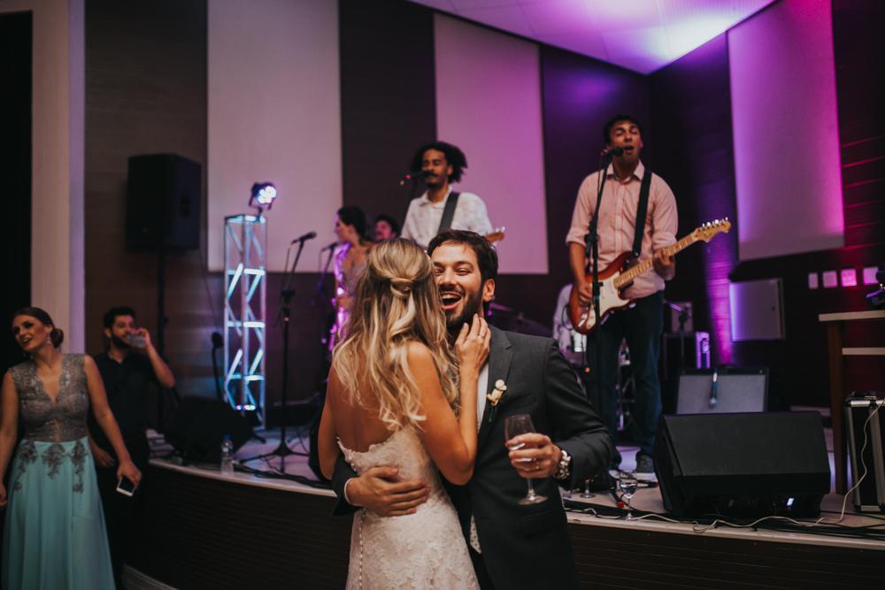 casamento-classico-igreja-curitiba-noivos-fotografia-168