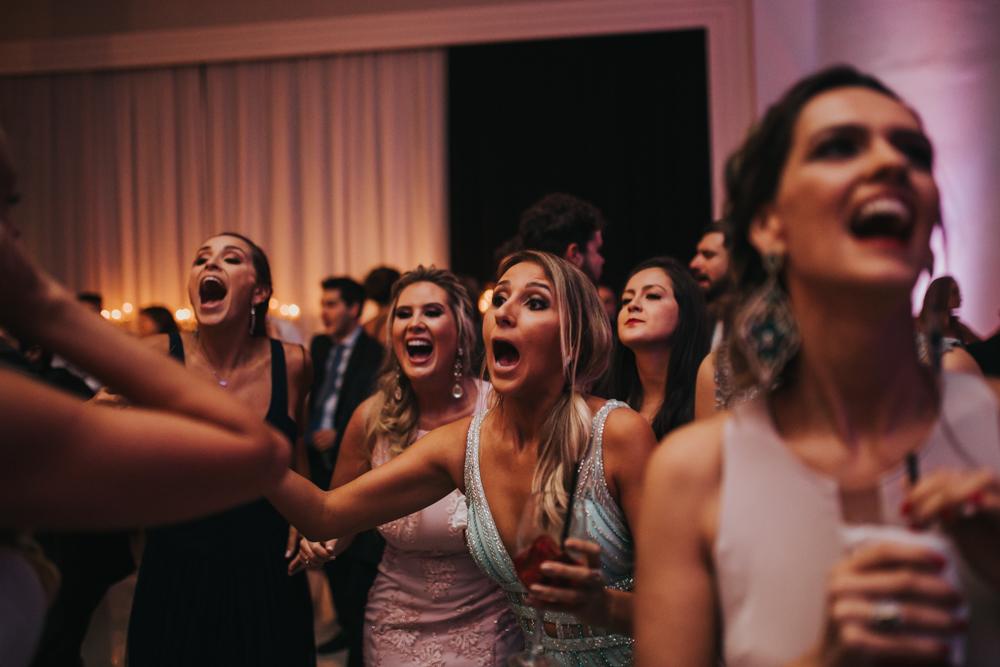 casamento-classico-igreja-curitiba-noivos-fotografia-173