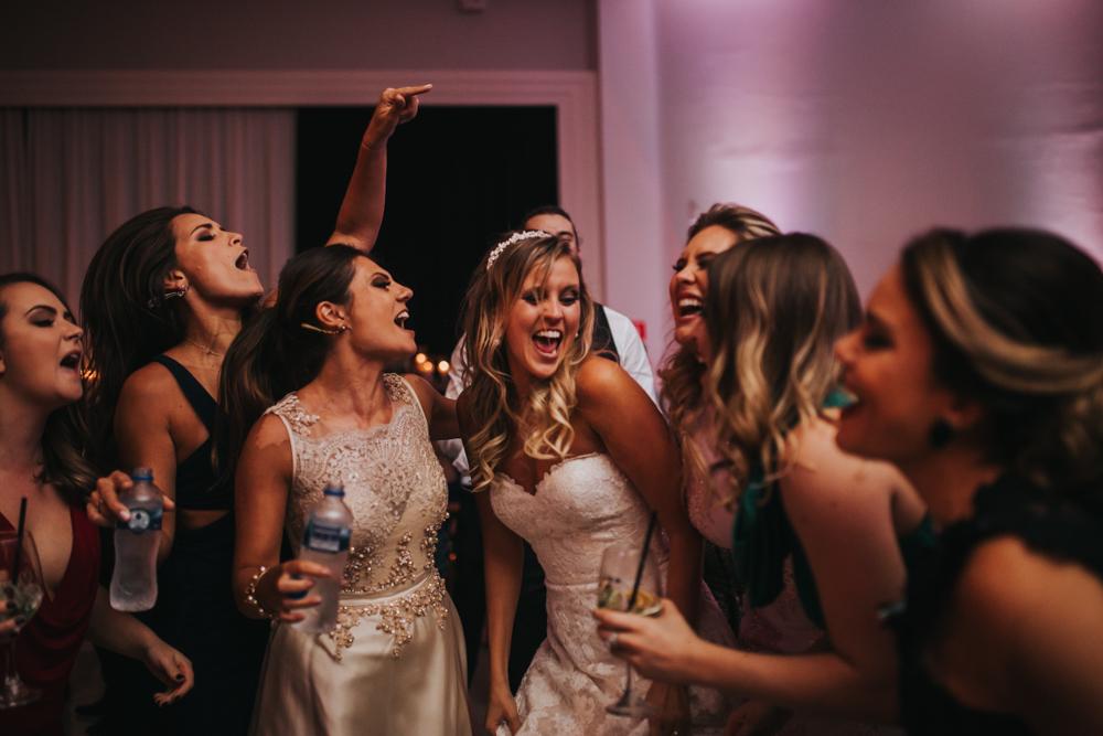 casamento-classico-igreja-curitiba-noivos-fotografia-182