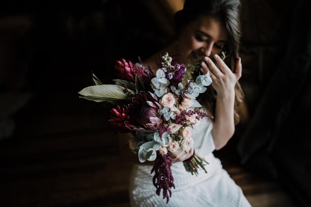 casamento-rustico-de-dia-santuario-morretes-decoração-vestido-boho-42