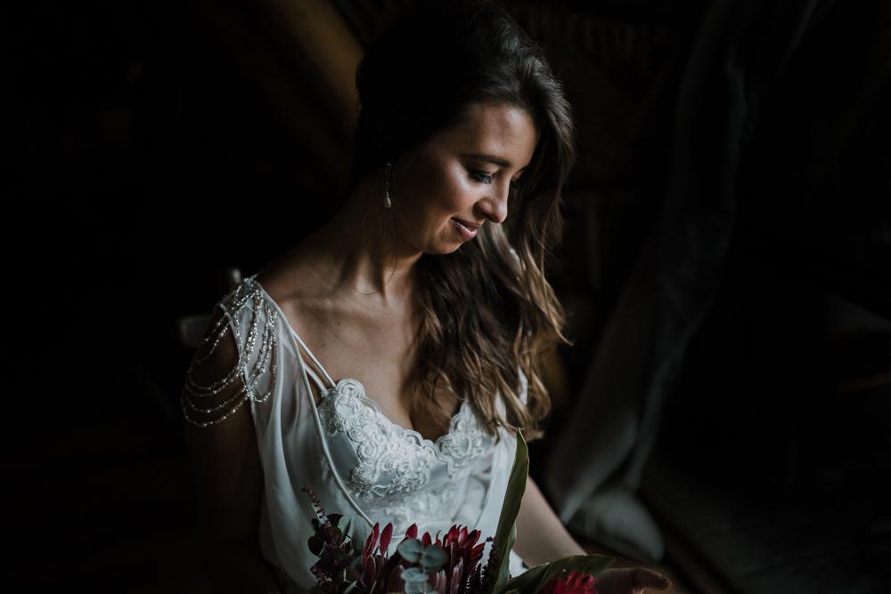 casamento-rustico-de-dia-santuario-morretes-decoração-vestido-boho-43