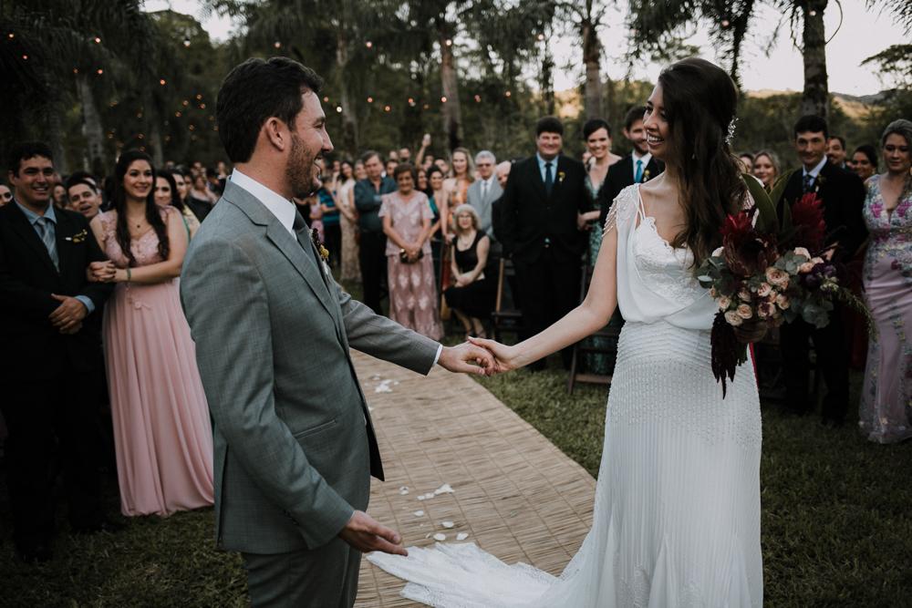 casamento-rustico-de-dia-santuario-morretes-decoração-vestido-boho-65