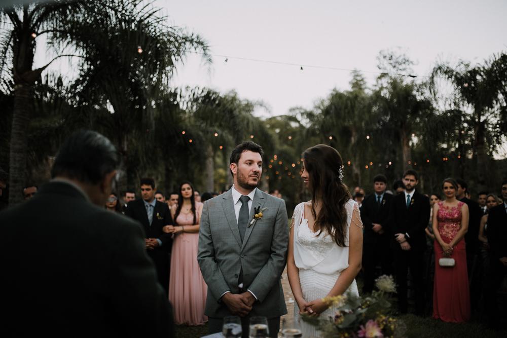 casamento-rustico-de-dia-santuario-morretes-decoração-vestido-boho-73