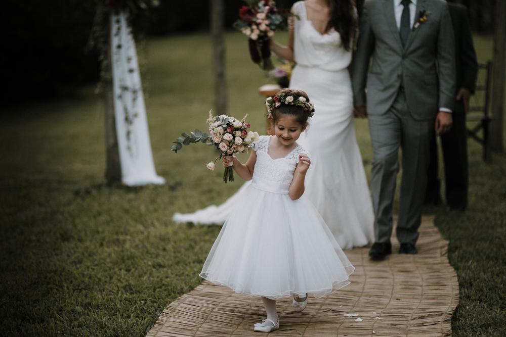 casamento-rustico-de-dia-santuario-morretes-decoração-vestido-boho-87