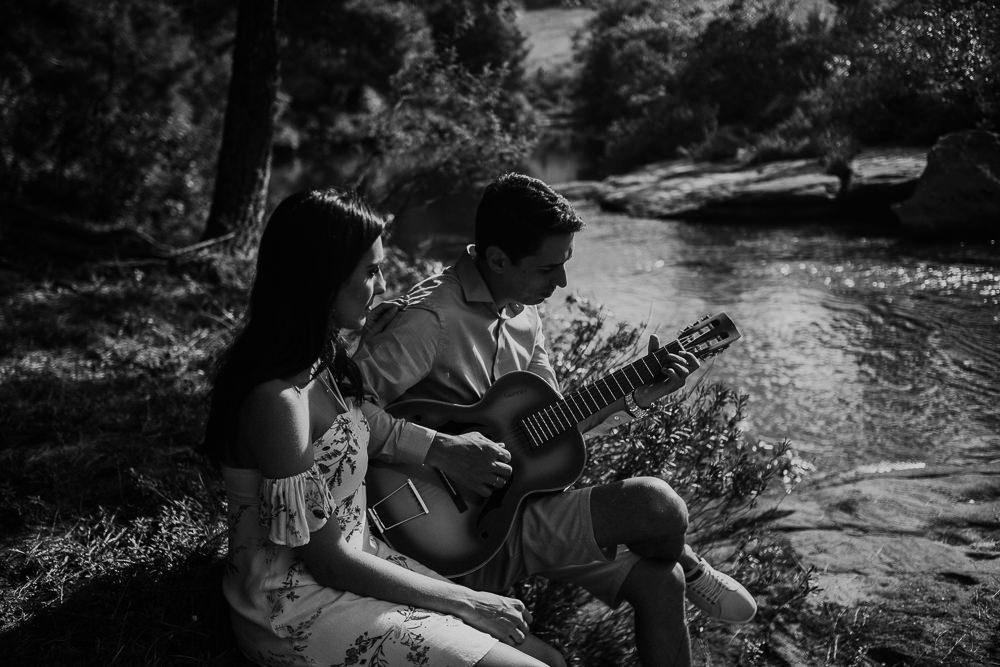 ensaio+casal+curitiba+campo+rustico+sol+violão+recanto+papagaios-15