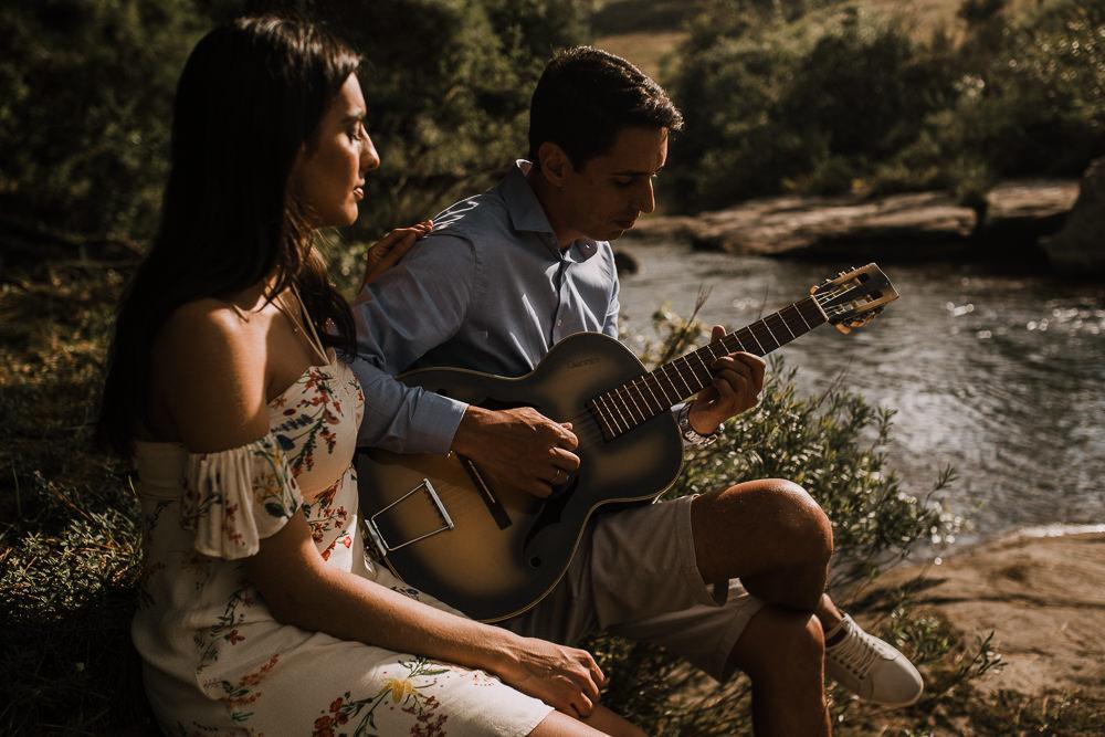 ensaio+casal+curitiba+campo+rustico+sol+violão+recanto+papagaios-16