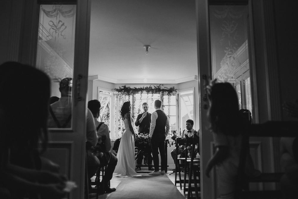 casamento+curitiba+moderno+minimalista+em+casa+sol+dia-40