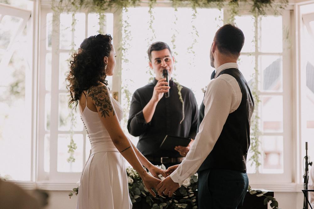 casamento+curitiba+moderno+minimalista+em+casa+sol+dia-47