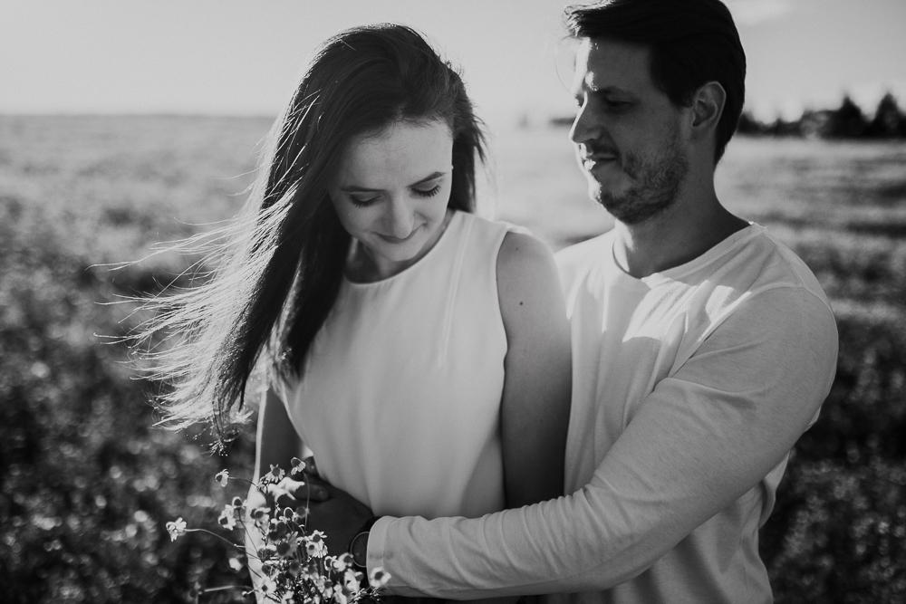 ensaio+campo+camomila+curitiba+sol+casal+flores-25