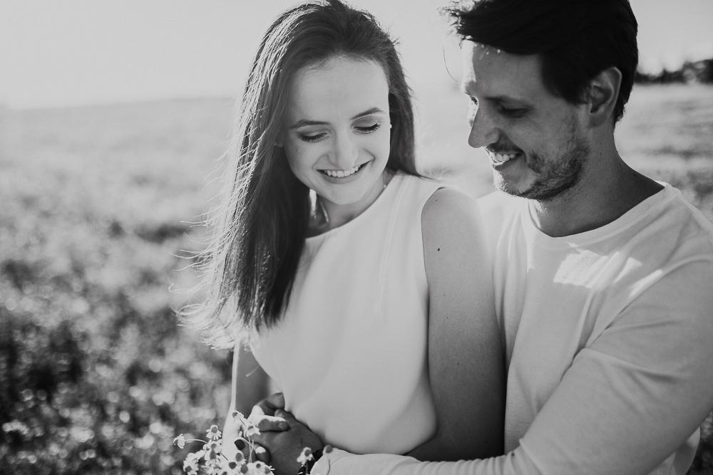 ensaio+campo+camomila+curitiba+sol+casal+flores-30
